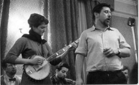 Peggy Seeger and Ewan MacColl, Enterprise Public House, London, late 1950s-early 1960s. Artist: Eddis Thomas